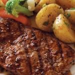 Steak à la cajun avec pommes de terre et légumes