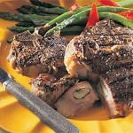 Steaks d'agneau piqués à l'ail