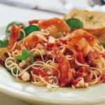 Pâtes aux crevettes à la méditerranéenne