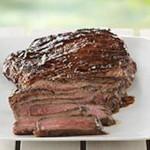 Bifteck grillé sur une planche de cèdre à la mode du Sud-Ouest