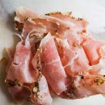 Fesse de porc fumée au poivre ( jambon maison )