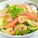 Salade aux crevettes et pomélo