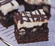 Barre de gâteau au fromage aux brownies