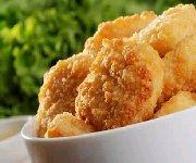 Bâtonnets de poulet, sauce aux arachides et aux abricots