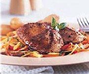 Biftecks de surlonge de veau sur lit de trois légumes