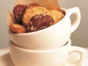 Biscuits froids à la cassonade et aux amandes