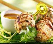 Boulettes de porc à la coriandre, miel au curry
