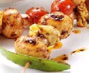 Brochettes de champignons et de tortellini sur le gril