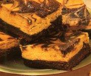 Brownies garnis de gâteau au fromage au beurre d'arachides