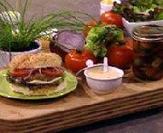Burger gourmand au poulet et cheddar