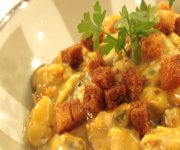Cassolette de moules au curry et aux poireaux