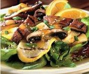 Champignons et courges d'été grillés avec une vinaigrette à l'orange