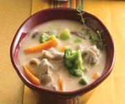 Chaudrée au poulet et aux légumes à la mijoteuse