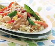 Chow mein au poulet et légumes