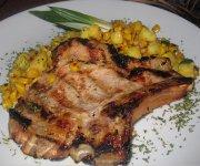 Côte de veau grillée et sa salsa dorée