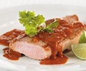 Côtelettes de porc au ketchup, à la lime et à la coriandre