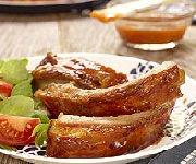 Côtes levées de porc glacées aux pêches