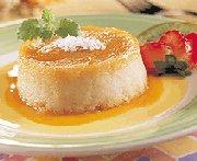 Crème caramel au manioc et à la noix de coco
