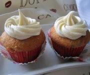 Cupcakes aux dattes, glaçage crémeux à la vanille