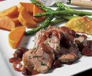 Filet de veau aux canneberges, au sirop d'érable et à l'orange