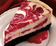 Gâteau au fromage et aux spirales de cerises