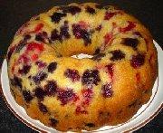 Gâteau bundt aux bleuets et aux framboises