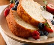 Gâteau exquis au citron avec sauce crémeuse au citron