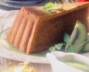 Gâteau moka sur coulis de kiwi