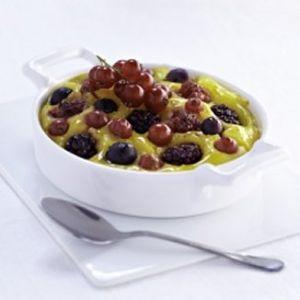 gratin de fruits rouges recettes qu becoises. Black Bedroom Furniture Sets. Home Design Ideas
