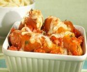 Gratin de saucisses européennes Italiennes et sauce Marinara