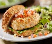 Hamburgers au poulet et à la salsa