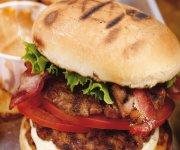 Hamburgers triples épicés
