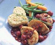 Médaillons de porc, sauce aux cerises et aux épices