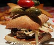 Mini-burger, double fromage et bacon