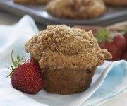 Muffins à la rhubarbe et aux fraises 2