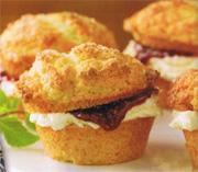 Muffins aux framboises pour le thé