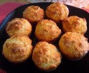 Muffins chauds pour manger avec une soupe