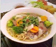 Nouilles en soupe au boeuf et à la coriandre
