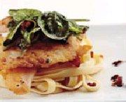 Pangasius sur fettucini et sa tombée d'épinards à la pancetta