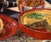 Pâté de boeuf style empanadas, concassé de tomates à la coriandre