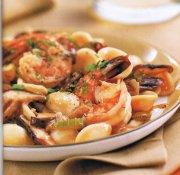 Pâtes aux crevettes et aux champignons