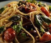 Pâtes aux tomates, anchois et chili