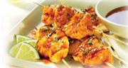 Petites brochettes saumon au miel et à l'ail