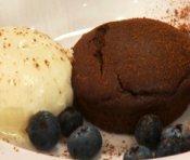 Petits gâteaux au chocolat aux centres de ganache de Janella