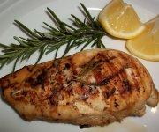 Poitrine de poulet au citron et romarin