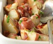Pommes de terre rouges rôties au bacon et au fromage