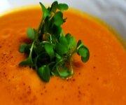 Potage à la carotte et au gingembre frais