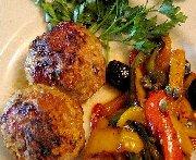 Poulette en boulettes et peperonata