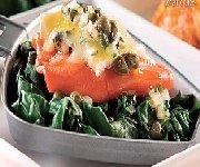 Raclette au saumon fumé et bleu