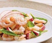 Salade aux pommes, crevettes et betterave